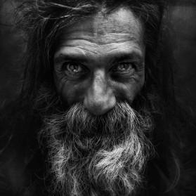 Regards de sans-abris : les yeux dans les yeux