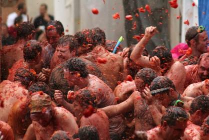 Espagne : la Tomatina ou bataille de tomates va devenir payante