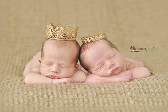 Bébés jumeaux mignons - 6