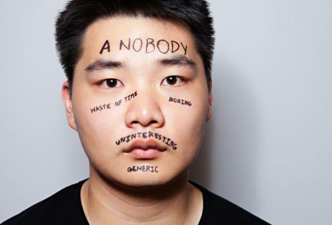 Des mots inscrits sur le corps pour exprimer le mal-être – 34