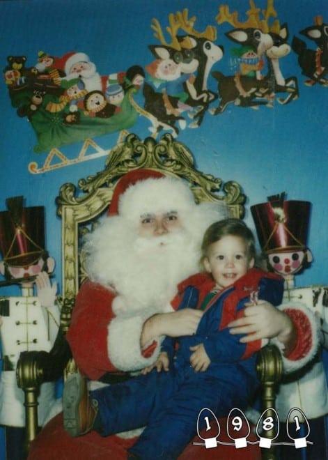 Deux garçons font une photo avec le Père Noël pendant 34 ans - 14