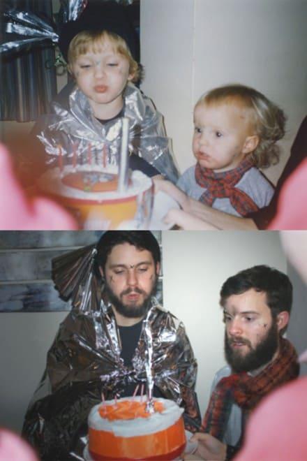 Flashback des photos d'enfants de deux frères – 1