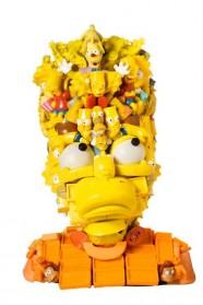 Des sculptures surprenantes réalisées grâce à des jouets en plastique
