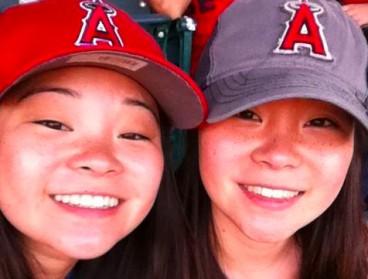 Deux soeurs jumelles séparées à la naissance se retrouvent grâce à une vidéo Youtube !