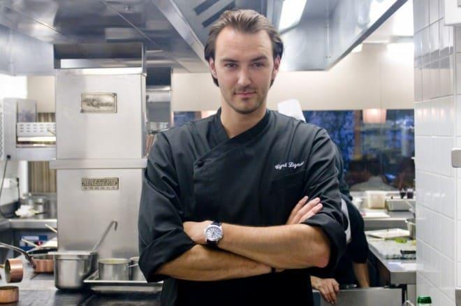 Cyril Lignac ouvre la cuisine aux amateurs.